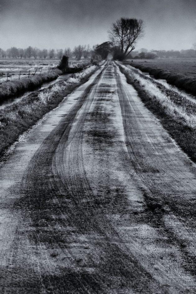 frosty-road-mono
